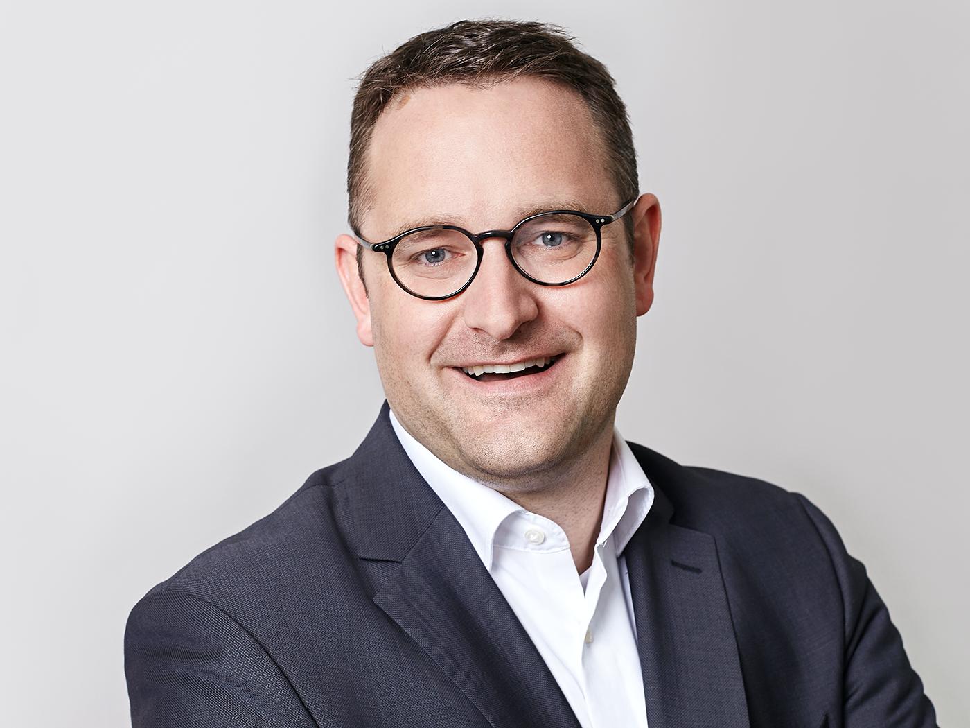 Dr. Armin Winnen